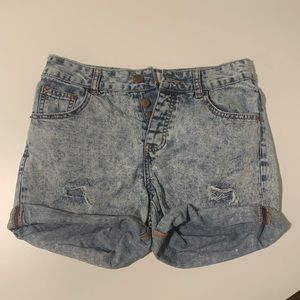Cotton On, high waisted mom shorts!